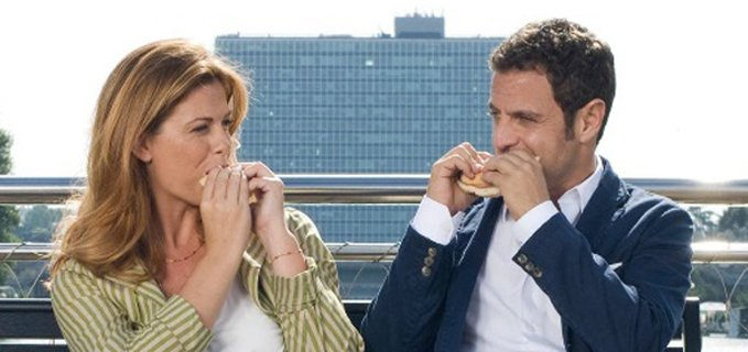 Gabriele Pignotta e Vanessa Incontrada mangiano un panino