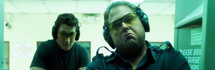 Jonah Hill e Miles Teller nel film Trafficanti